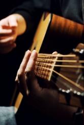 Guitar_lrg